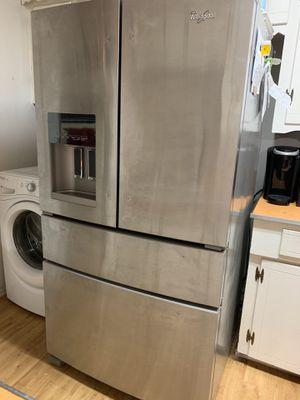 Whirlpool Refrigerator for Sale in Dallas, TX