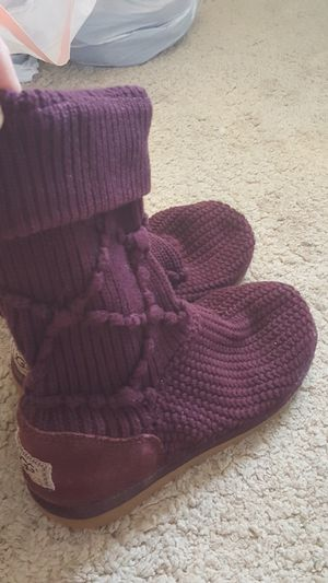 Women's Ugg's Purple Argyle Knit size 8 boots for Sale in Boyds, MD
