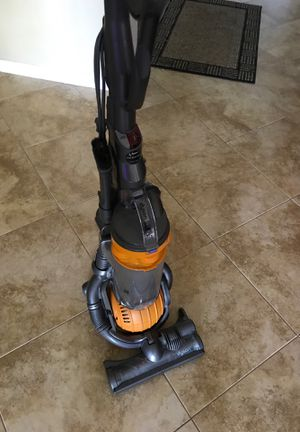 Dy son DC 25 vacuum used for Sale in Oakland Park, FL