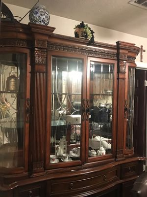 WOODEN SHOWCASE for Sale in Oklahoma City, OK