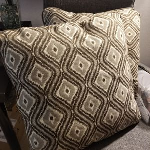 2 New Pillows for Sale in Bellevue, WA