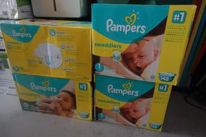 New huge box of pampers diapers size 1 / 148 counts swaddlers / baby / kid's for Sale in Wesley Chapel, FL