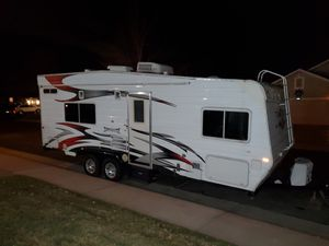 2007 Weekend Warrior Toy Hauler FS2300 for Sale in Brighton, CO