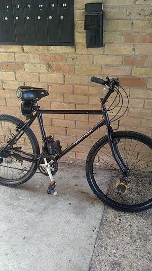 Hardrock 21 speed 12 vote battery runs light in backfront brakes needs put back together for Sale in Dallas, TX