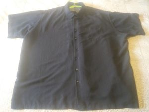 VAN HEUSEN BLACK 4X SHORT SLEEVE BUTTON UP for Sale in Alliance, OH