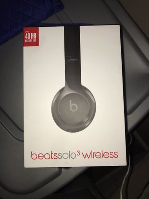 Beats Solo3 Wireless Pouch Charger & Aux Included perfectly working for Sale in Silver Spring, MD
