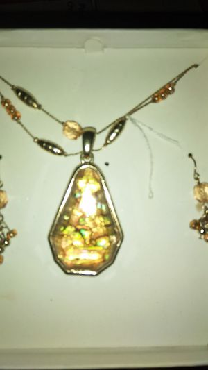 Rose gold necklace with gems for Sale in Pretty Prairie, KS