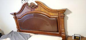 California King 2 Piece Bedroom Set for Sale in Everett, WA