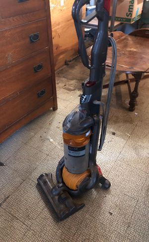 Dyson vacuum works just needs to be wiped off for Sale in Kent, WA