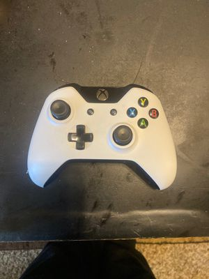 Xbox one controller for Sale in Columbia, SC