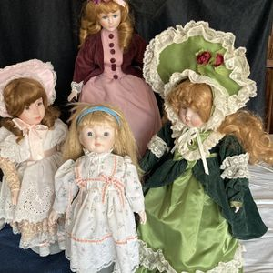 Porcelain Collectible Doll for Sale in Holmdel, NJ