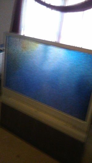 """RCA, HDTV 52"""" FLOOR MODLE, LIGHT , ON WHEELS for Sale in Pace, FL"""