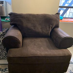 Raymour&Flanigan Armchair for Sale in New York, NY