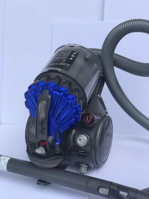 Dyson Canister Vacuum for Sale in Miami, FL