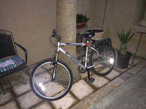 Columbia mountain bike for Sale in Fresno, CA