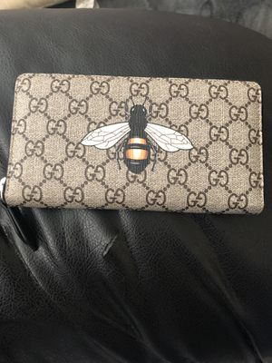 GUCCI BEE WALLET for Sale in Washington, DC