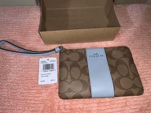 Coach wristlet for Sale in Chicago, IL