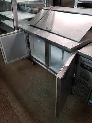 Used, 4 feet beverage air sandwich prep table for Sale for sale  Brooklyn, NY