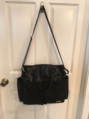 Skip Hop Black Diaper Bag with baby changing pad for Sale in Land O Lakes, FL