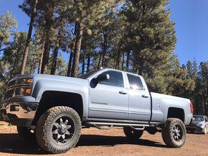 2015 Chevy Silverado 1500 4 x 4 for Sale in El Cajon, CA