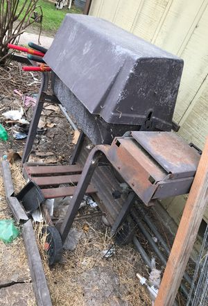 Free BBQ Grill for Sale in Stockton, CA