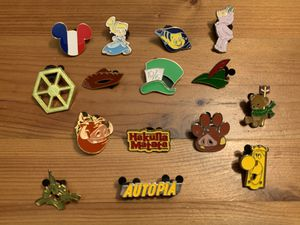 Disney Trading Pins - Random Lot #4 for Sale in Brea, CA