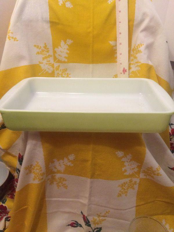 Pyrex 232 lime baking dish