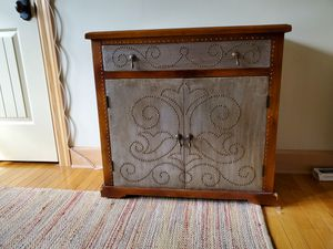 Pending Pick Up-Console Table with Drawer and Cabinet for Sale in Fairview, TN