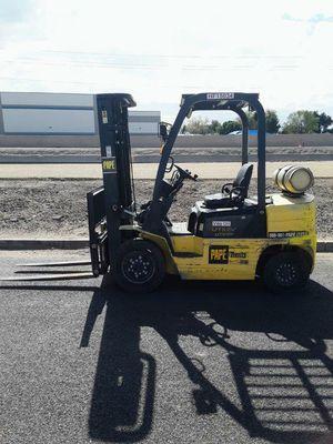 2015 Yale 5000lb Pneumatic Forklift for Sale in Phoenix, AZ