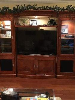 Entertainment Unit Must Go for Sale in Houston,  TX