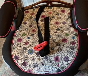 Toddler Girl Car Seat for Sale in Haslet,  TX