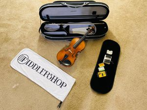 Violin 4/4 with Bow and carry case for Sale in Roseville, CA