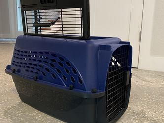 Petmate Two Door Top Load Navy Dog Or Cat Kennel/Carrier, X-Small for Sale in Tampa,  FL