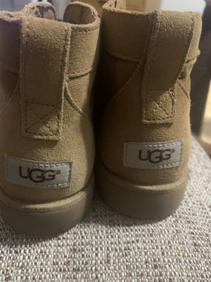 Men's UGGS BOOT (SIZE 10) for Sale in Los Angeles, CA
