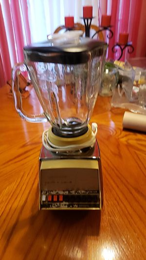 Vintage Osterizer Imperial cyclo*trol eight Blender Glass pitcher with lid Style 048-04B Watts 780 B series for Sale in Cypress, CA