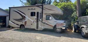 2018 4000 miles full slide out Four Winds camper auto for Sale in Riverside, CA