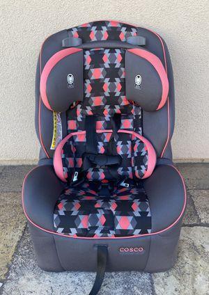PRACTICALLY NEW CONVERTIBLE CAR SEAT!! for Sale in San Bernardino, CA