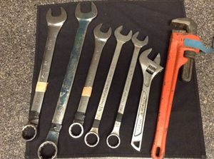 "Boiler Maker Set Husky Combination Wrench 1-1/4, 1-7/16, 1-1/16, 1 1/8, 1 1/16, Husky 12"" Crescent Wrench URREA 18"" 450mm for Sale in Houston, TX"