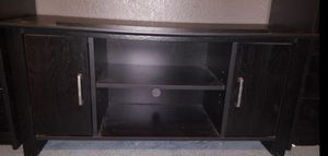 Small tv stand for Sale in Fresno, CA