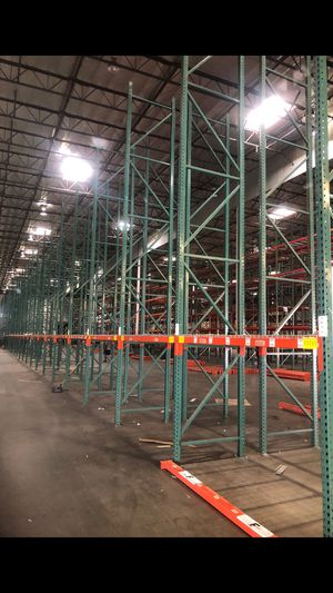 Teardrop Style Pallet Racks and everything you need for a great price! for Sale in Norco, CA