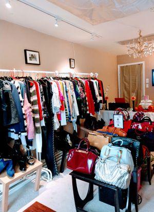 Handbags various prices- free local drop off for Sale in Burlington, NJ