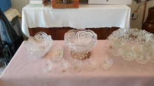 Punchbowl set with other things don't know anything about it could use a dishwashing for Sale in Longwood, FL