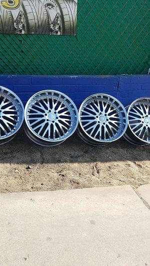 """24"""" wheels 6 lug for chevy truck toyota or nissan for Sale in San Diego, CA"""