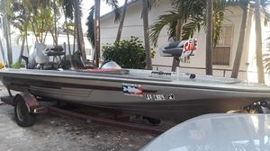 21 ft bass boat for Sale in Miami, FL