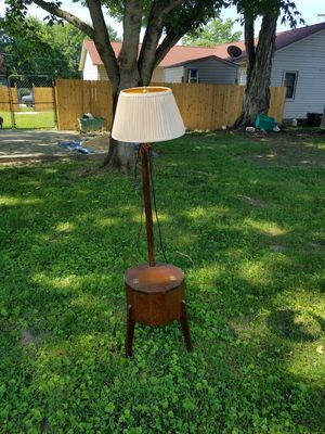 Antique floor lamp for Sale in Thomasville, NC