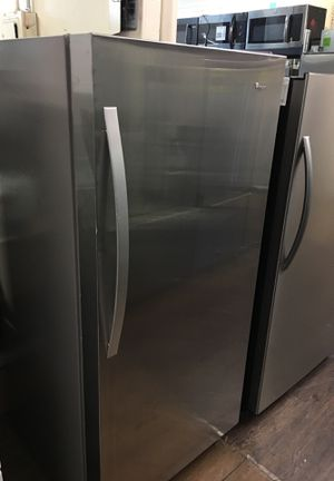 Whirlpool Upright Freezer for Sale in Santa Ana, CA