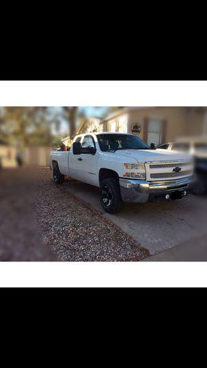 Truck chevy silverado 2500 HD for Sale in Colorado Springs, CO