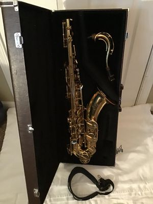 Yamaha YTS - 52 Saxophone with case for Sale in Nashville, TN