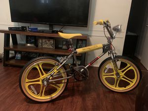 Stranger things bmx bike for Sale in Rosenberg, TX