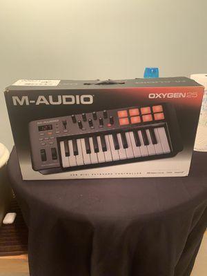 M-AUDIO OXYGEN25 for Sale in Bloomfield, NJ
